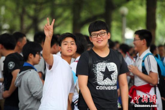 每年夏天有多少高考志愿是父母决定的?