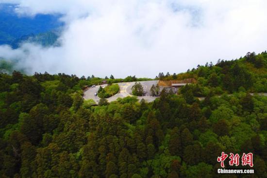 """资料图:神农架国家公园""""太子垭""""景点。 周星亮 摄"""