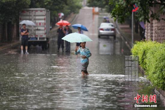 强降雨致贵州省48个县市受灾 1人遇难1人失踪