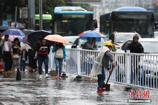 22日上午北京大部以分散性阵雨为主傍晚降雨最强