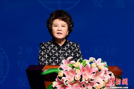 中国国务院侨办主任裘援平。 中新社记者 佟郁 摄
