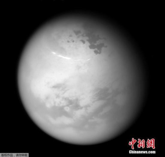 NASA公布土星最大卫星泰坦地质图:有山有湖(图)