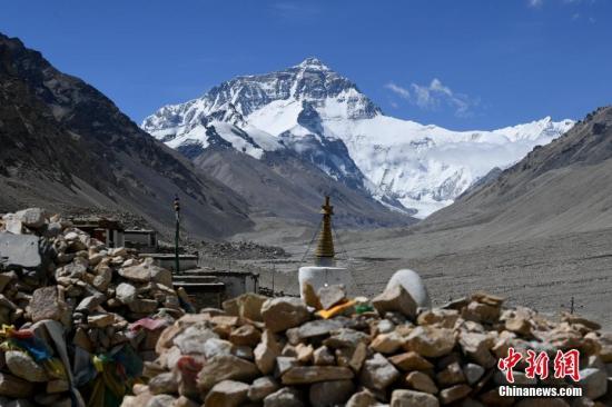 资料图:珠峰。张浪 摄