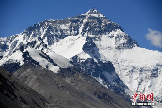 官方:中国从未放弃8844.43米珠穆朗玛峰海拔高度数据