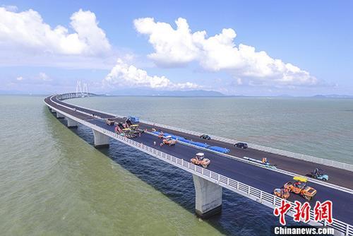 广东警方:港珠澳大桥口岸商务车指标将适当增加