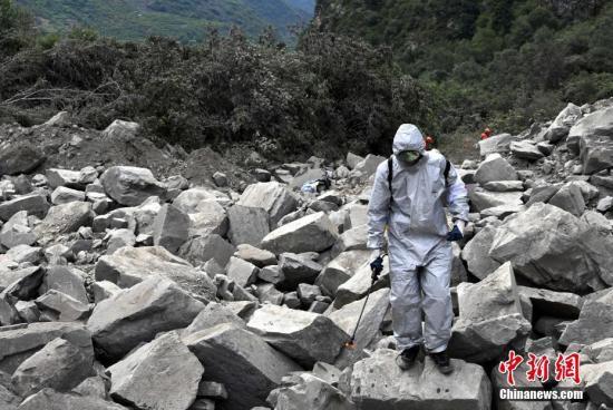 交通部:交通运输系统对茂县已投入救援人员820名