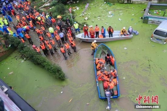 6月26日,受持续暴雨影响,浙江兰溪汛情严重。中新社发 夏先龙 摄