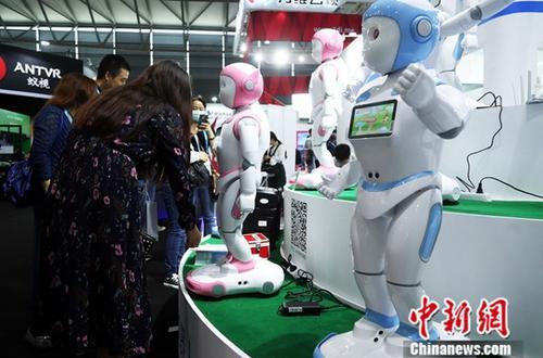 """从""""跟随""""到""""并肩""""中德机器人合作走向何方?"""