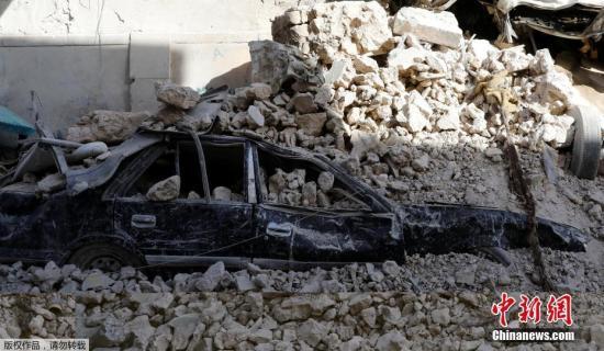 """解放摩苏尔的战斗2016年10月打响。据联合行动指挥部29日早些时候消息,伊拉克军队将""""伊斯兰国""""武装分子从摩苏尔市中心击退。"""