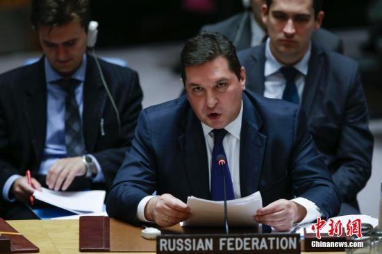 俄罗斯常驻联合国副代表萨夫龙科夫就朝鲜半岛局势发言。 中新社记者 廖攀 摄