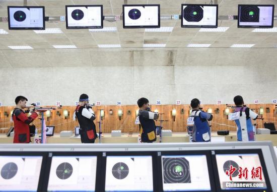 中國大學生射擊錦標賽南昌開賽 王義夫現場觀賽