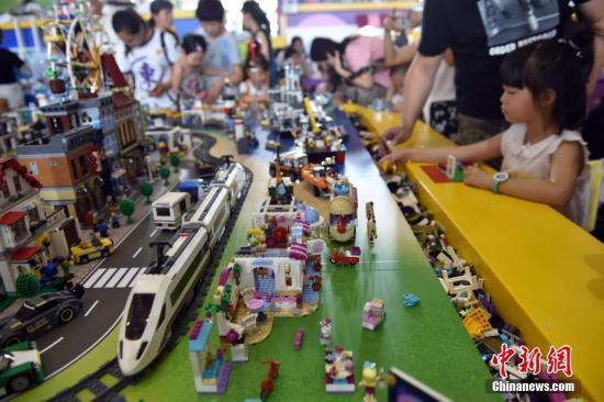 资料图:玩具和婴童用品。 /p中新网记者 金硕 摄