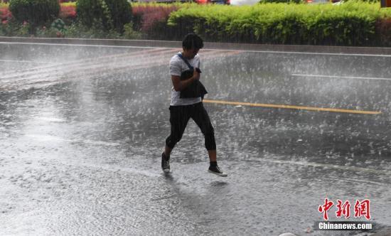 陕西甘肃青海3省发生洪涝风雹灾害 3300余人受灾