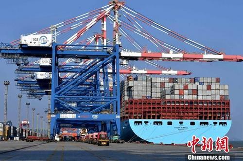 资料图:集装箱码头。 中新社记者 王东明 摄