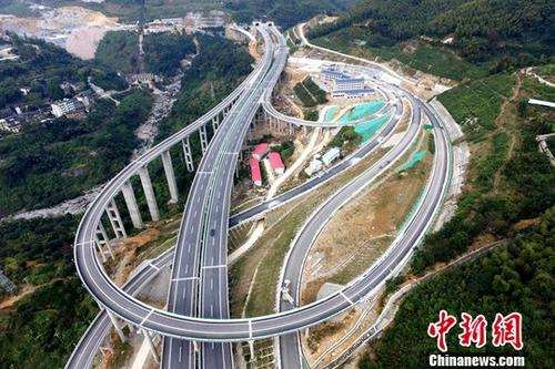 China's fixed-asset investment up 5.9 pct in 2018