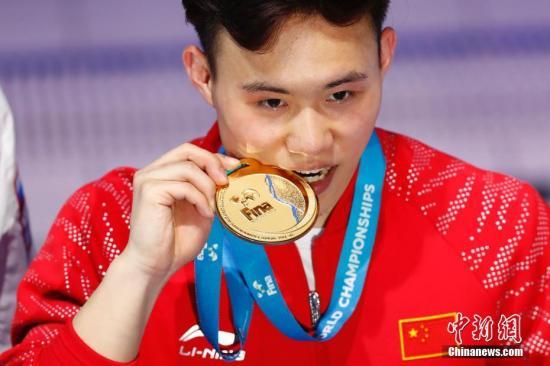 2017年世锦赛,谢思埸夺得男子3米板冠军。 <a target='_blank' href='http://www.chinanews.com/'>中新社</a>记者 富田 摄