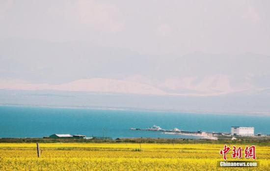 图为青海湖。记者 翟璐 摄