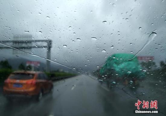 两场台风先后袭击福建 福建省防汛启动应急响应