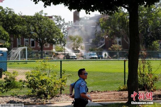 消防部门表示,爆炸原因疑似天然气爆炸,消防人员正在灭火并搜救伤者。爆炸发生时正值学校暑假期间,校园内仅有少量参加暑期活动以及体育运动的学生。