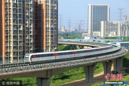 8月5日,北京,磁浮列车在轨测试。李长山 摄 图片来源:视觉中国