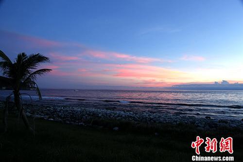 """材料图:绿岛是台东县东里的离岛之一,战兰蹯一路装点正在承平洋上,已往被称""""水烧岛""""。 a target='_blank' href='http://www.chinanews.com/'种孤社/a记者 李欣 摄"""