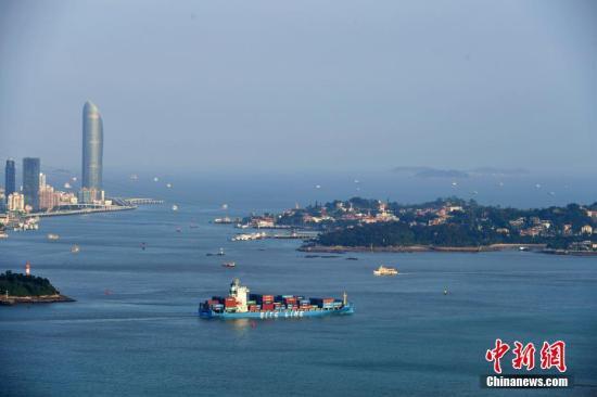 厦门港是我国东南沿海重要的天然良港,自然条件优越。王东明 摄