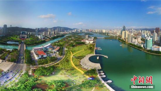 """瞰厦门迎""""金砖"""":空中鸟瞰水系环绕的厦门城区。王东明 摄"""