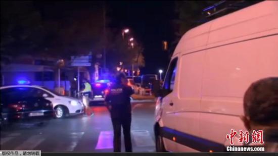 当地时间2017年8月18日,西班牙坎布里尔斯市发生汽车冲撞人群事件。