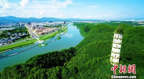 资料图:新安江。中新社记者 钟欣 摄