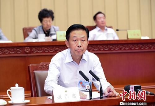 中国积极财政政策取向不变明年八项重点工作确定