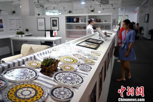 8月29日,由跨境电商大龙网打造的中国首个白色家电跨境离岸集采中心在安徽合肥正式落成。记者 韩苏原 摄