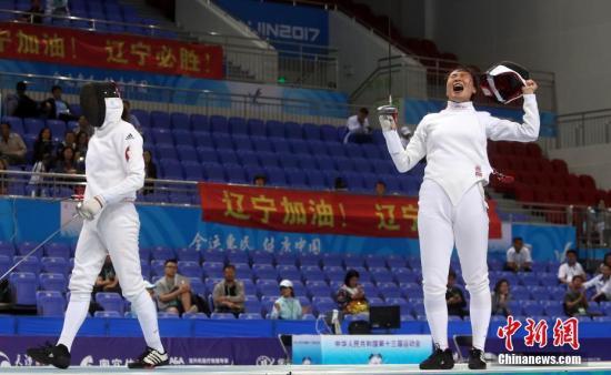 许安琪(右)在比赛中。 <a target='_blank' href='http://www.chinanews.com/'>中新社</a>记者 张宇 摄
