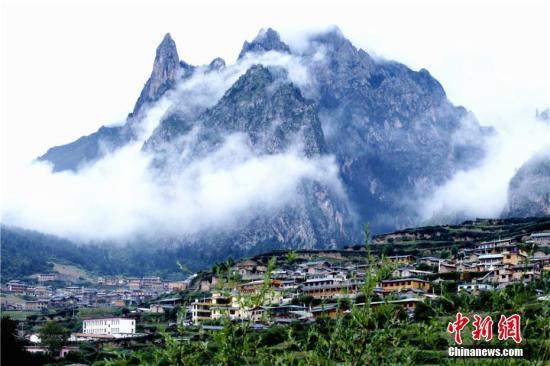 甘南藏区70年巨变:地区GDP涨519倍 人均寿