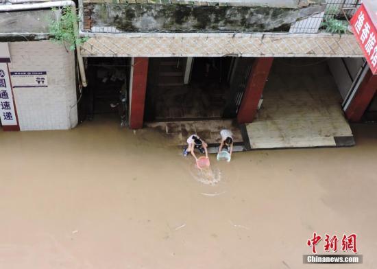 资料图:洪水。 发 川友 摄