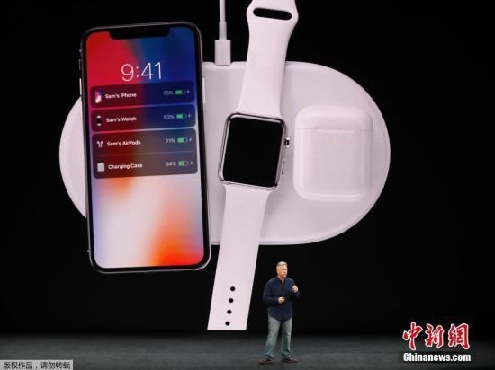 iPhone 8为5888元起售,iPhone 8 Plus 6688元起售,两者都是9月15日预订。iPhone X 10月27日预订,11月3日开售,64G版本卖8388元,顶配的256GB版本则售价9688元。