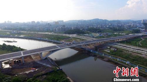 广西东兴口岸北仑河二桥临时开放通过专家组验收
