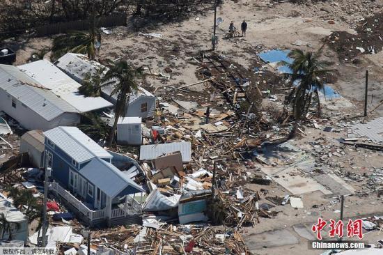 """近日,美国佛州,飓风""""艾尔玛""""给当地造成极大破坏。"""