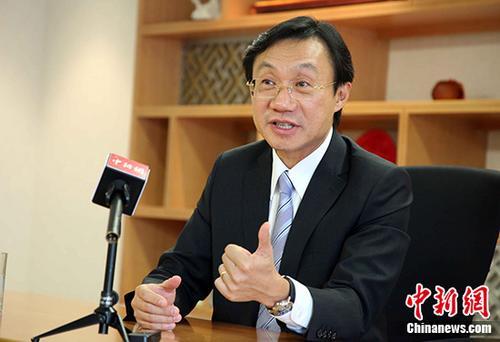 9月16日,澳门特区政府社会文化司司长谭俊荣接受中新社记者专访。中新社记者 洪少葵 摄