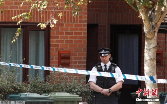 资料图片:英国警方执行任务。