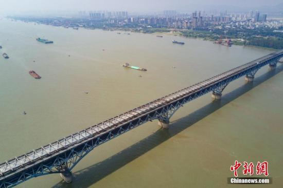 资料图:长江。中新社记者 泱波 摄