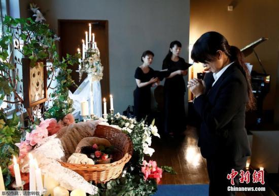当地时间2017年9月18日,日本东京,当地举办宠物葬礼博览会。