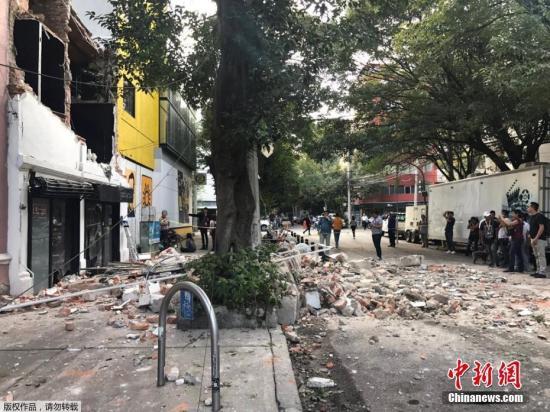 在32年前的今天,墨西哥1985年大地震造成7000多人死亡。当天,一场地震演习正在墨西哥城举行。