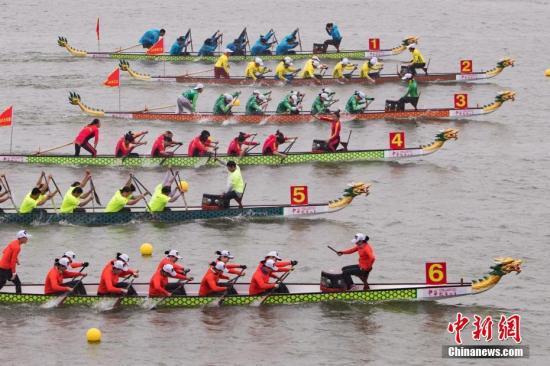 资料图:中华龙舟大赛。 <a target='_blank' href='http://www.chinanews.com/'>中新社</a>记者 泱波 摄