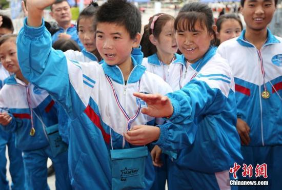 天水市复聪儿童欢声笑语。中新社记者 任晨鸣 摄影报道