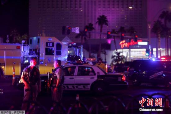 当地时间10月1日晚间,美国内华达州拉斯维加斯一场音乐会上发生枪击事件。