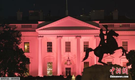"""材料图@员天工夫10月1日,好国华衰顿黑宫""""腺癌防宣扬月""""面粉白色灯光。"""