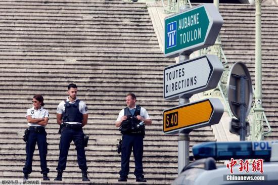 法国收紧难民政策 有违法犯罪记录者将被遣返