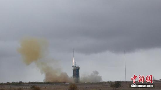 10月9日12时13分,中国长征二号丁运载火箭从酒泉卫星发射中心顺利升空,将委内瑞拉遥感卫星二号成功送入预定轨道。 <a target='_blank' href='http://www.chinanews.com/'>中新社</a>发 长城公司供图