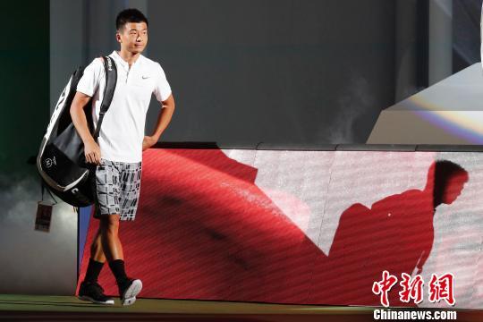 资料图:中国选手吴迪进场。 殷立勤 摄
