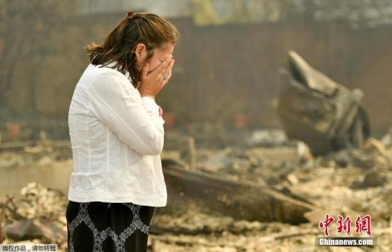 当地官员确认,截至10日,火灾已导致15人死亡,百余人失踪。